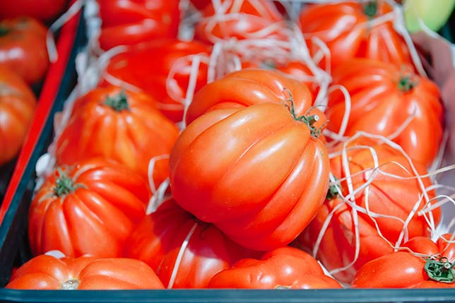 Fresh, seasonal and local products are sold in markets that we visit